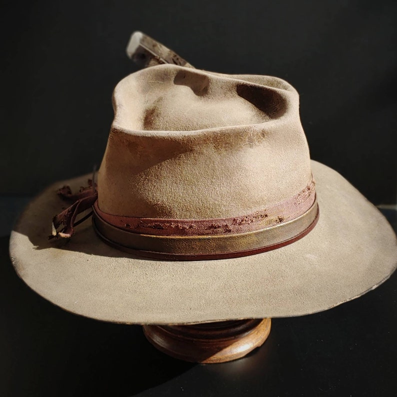 The Cattle Thief from Ugly Outlaw. Cowboy hat size 7 38