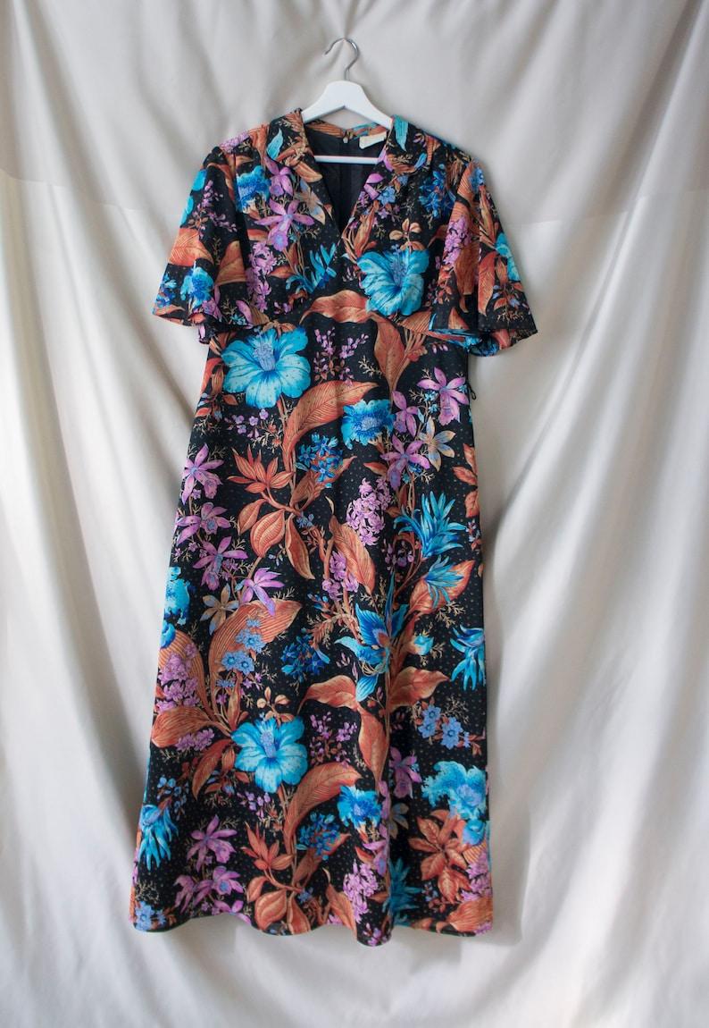 Vintage 70/'s Maxi Dress Size Medium Short Sleeve Floral Black Blue Pink Trevira Picknick Party Woodstock