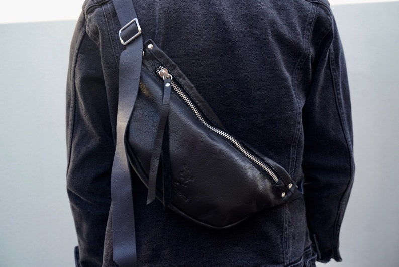 Extra light high quality leather fanny pack bumbag waistbag