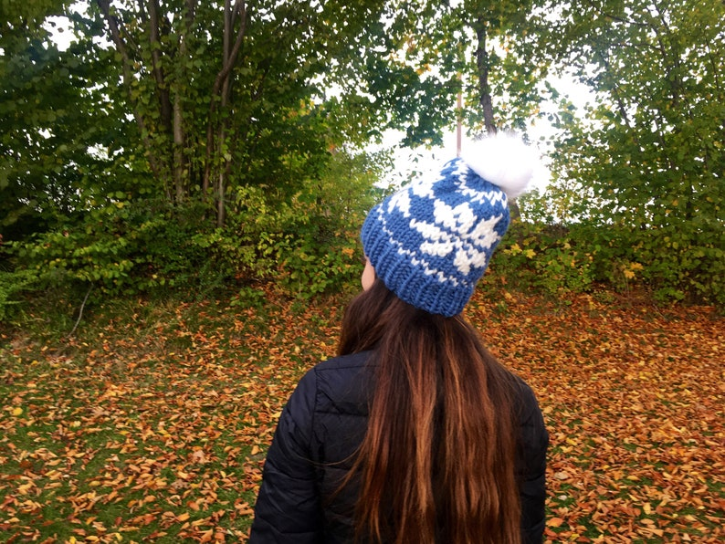 Warm Bommel Hat Snowflakes Beanie Women/'s Jeans Blue and White Hand Knitted Soft Bobble with Button Wish Size