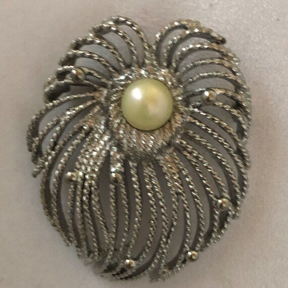 Sarah Coventry brooch - image 2