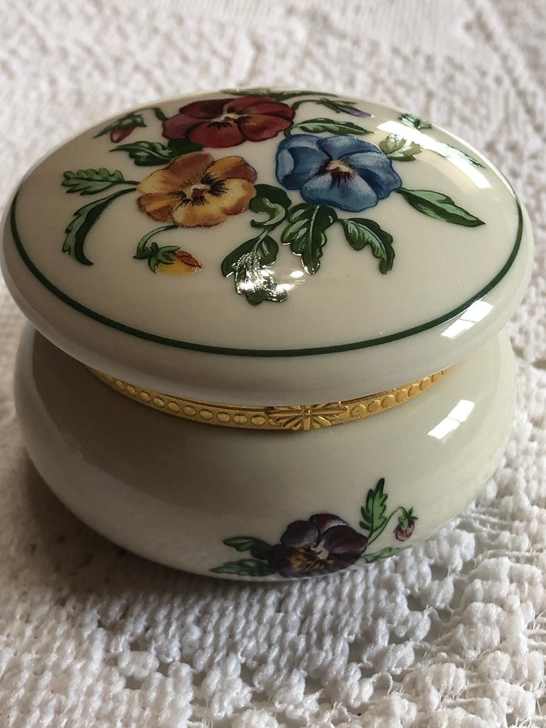 Christmas gift pretty trinket box to go with your jewelry