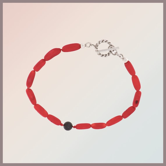 Frida Sterling silver bracelet with coral and lava stone