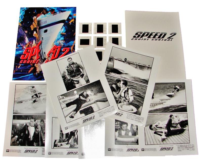 1997 SPEED 2: CRUISE CONTROL Movie Press Kit Folder image 0