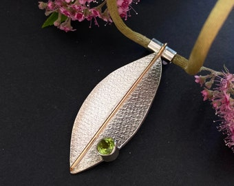 Green peridot pendant, peridot silver pendant, peridot designer pendant, peridot silver necklace, Leaf pendant with green peridot