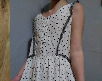 34ac6312cfe452 Vintage robe impression France à pois sans manches courtes Naf Naf 34