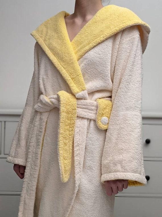 heavy hooded terry cloth robe bathrobe, powder pin