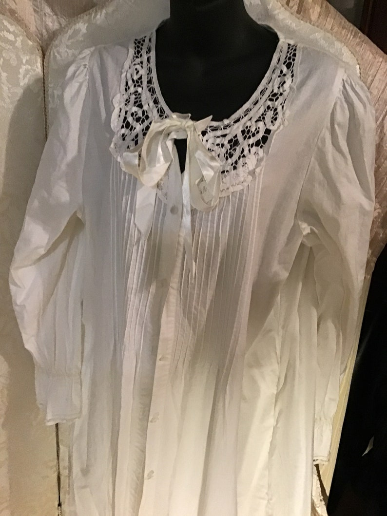100/% cotton nightgown with matching robe features battenburg lace and original buttons