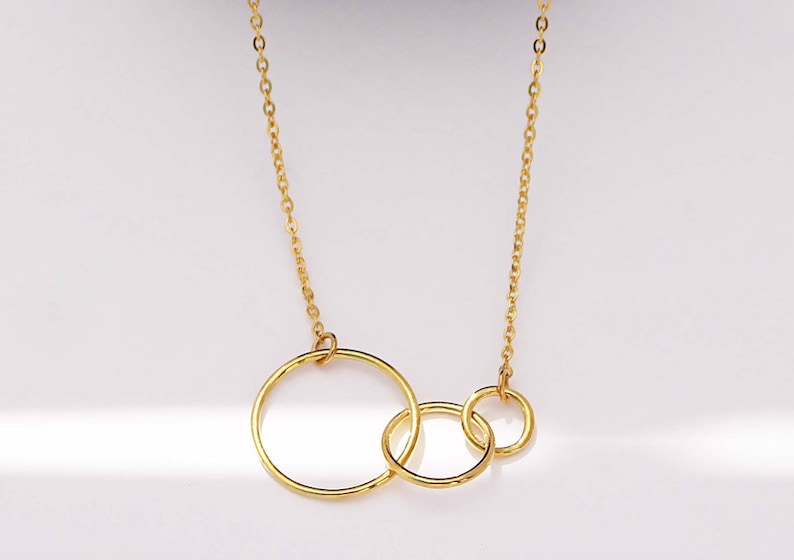 Birthday Gift Eternity Necklace Tripe Link Family Necklace Linked Circle Necklace Three Generation Necklace Interlocking Necklace