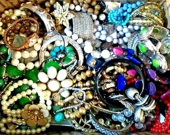 Lot of Vintage to Modern Jewelry 6 Lbs 5 oz, Vinta