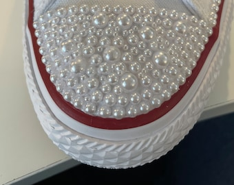 Are you extra?  Pearl the toes of your shoes!!!!  What a gorgeous way to make your shoes stand!! High quality low top canvas tennis shoes!
