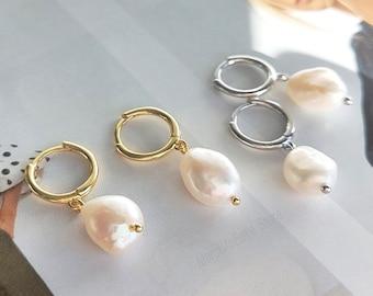 Natural Fresh Pearl Huggie Earrings, Baroque Pearl Hoop Earrings, 925 Sterling Silver Huggie Earrings, 18K Gold Plated Hoop Earrings