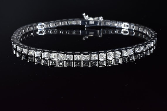 Code 3666  14K White Gold Tennis Bracelet 0 64 CT