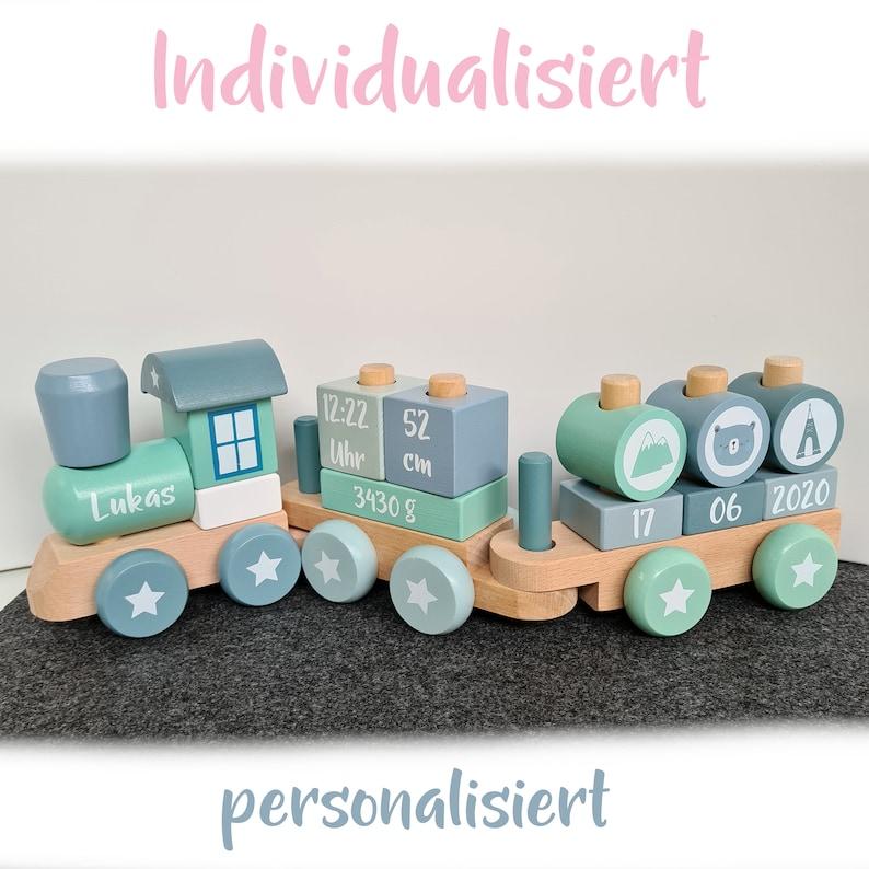 Locomotive en bois version garçon - Créatrice ETSY : SchmatzepufferKids