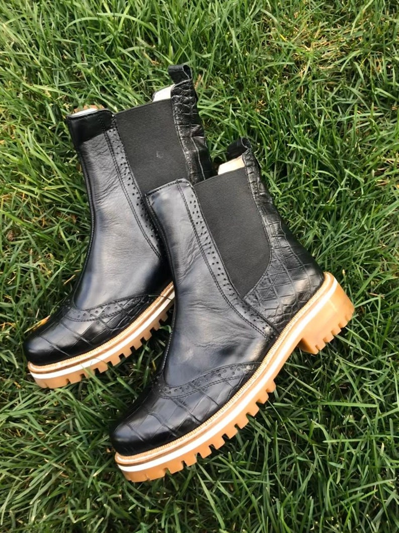 Winter woman boots Leather winter boots with fur Handmade boots Geniune leather boots Chelsea black reptile