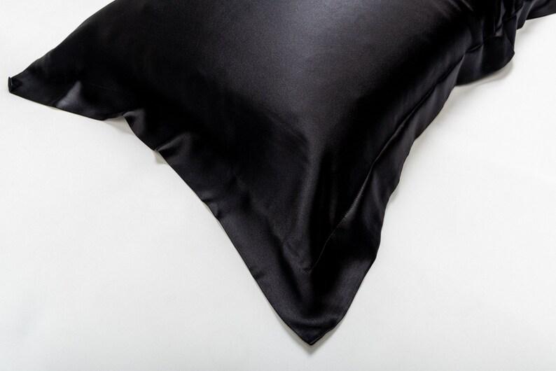 Silk Pillowcase black