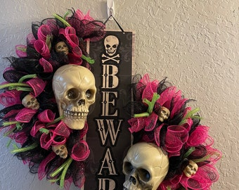 Halloween door wreath, gift for horror fan, skeleton wreath,Halloween wedding,scary skull wreath, Halloween decor,skeleton wreath sign