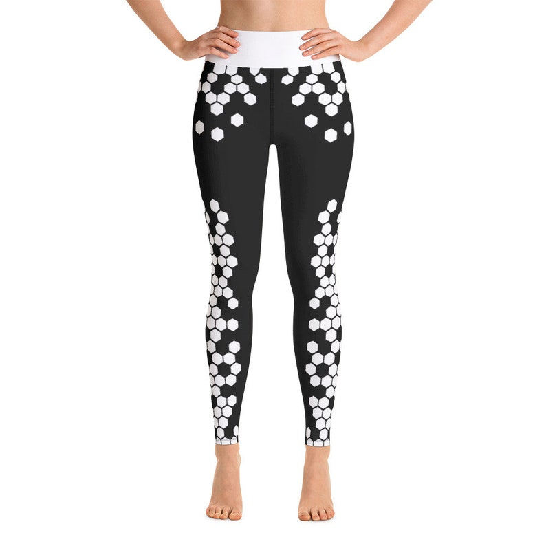 Cute AF Hexagon Scale Pattern Yoga Pants  Black and White image 0