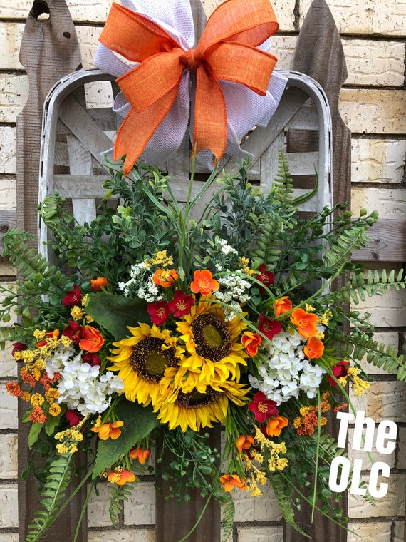 Sunflower Tobacco Basket, Sunflower Hanging Basket, Wall Basket, Hanging Flower Arrangement, Tobacco Basket Wreath, Sunflowers