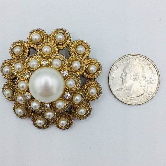 Sarah Coventry Gold Tone Brooch Moonlight Pearls Round Circle