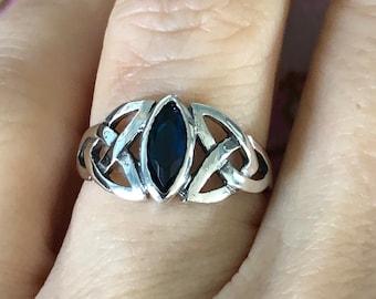 Size 6 Vintage Sterling Silver Heart Green Topaz  Bold  Wide Fancy  Irish Celtic Knot Design  Band Ring