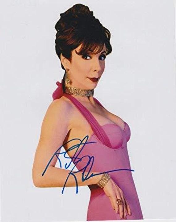 COA Matching Holograms Whoopi Goldberg Signed Autographed Glossy 8x10 Photo