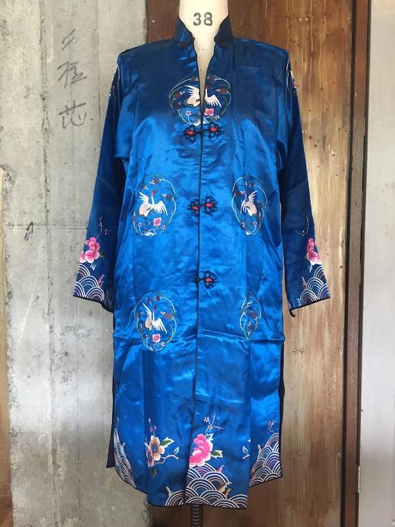 Vintage silk embroidered Chinese robe medium