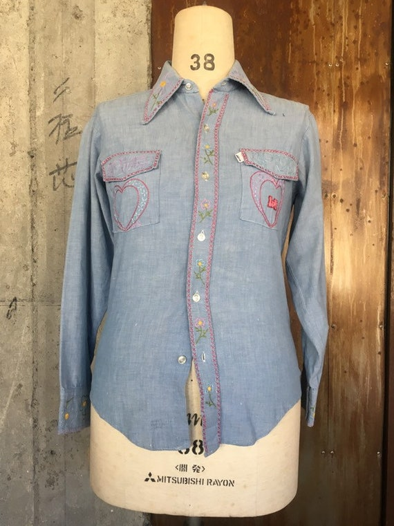 Vintage late 1960s Levis big E chambray western sh