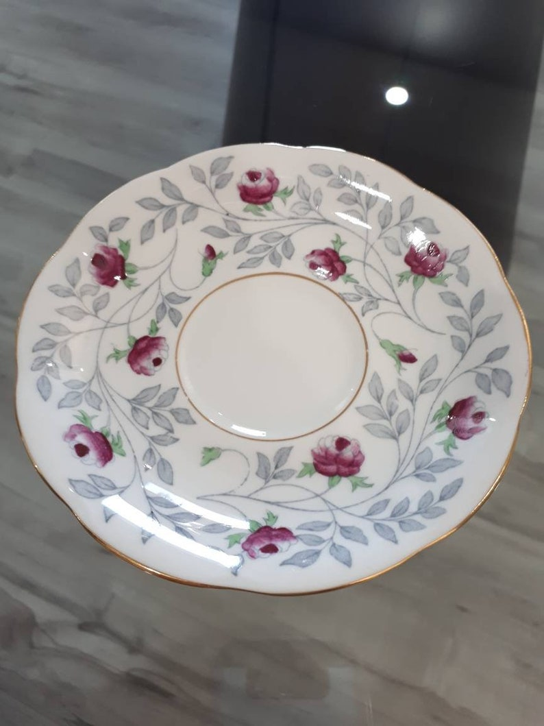 England Royal Albert Vintage Teacup and Saucer Bone China Lonway series