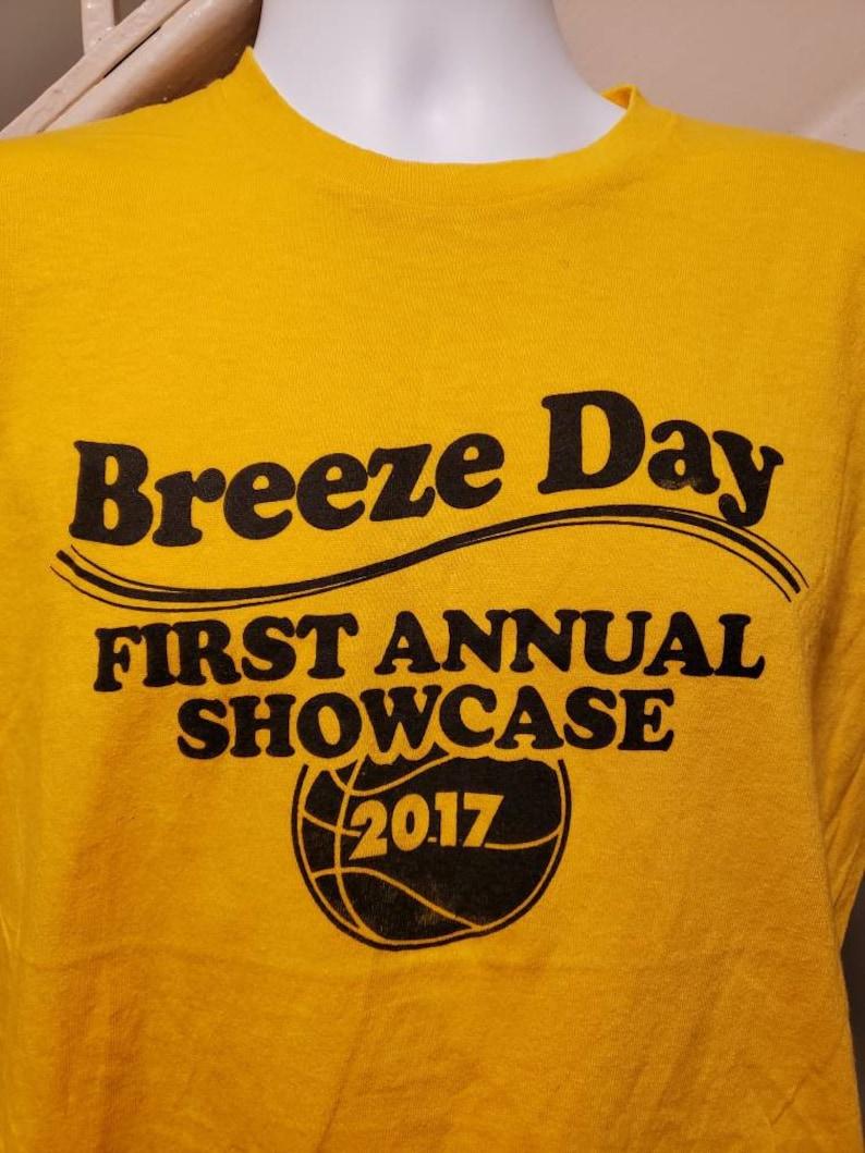 Breeze Day Vintage Look Brrooklyn Basketball Medium T-Shirt