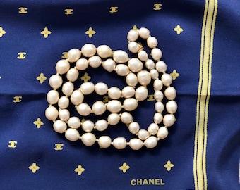 Collier de perles d imitation Baroque Vintage CHANEL authentique 155604b1ad4