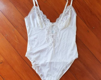 1cfd931034627 KAYSER 1980's White Nylon and Lace Bodysuit