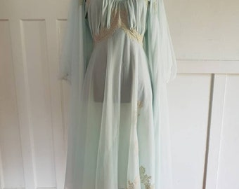 464429bc32d74 Hilton Peignoir   Nightie and Robe Set Nylon 1960s with Lace Applique Mint  Green