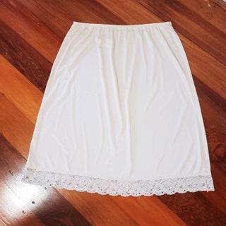 Kayser 1980's Beige Vintage Half Slip Skirt Petticoat with Lace Hem Border
