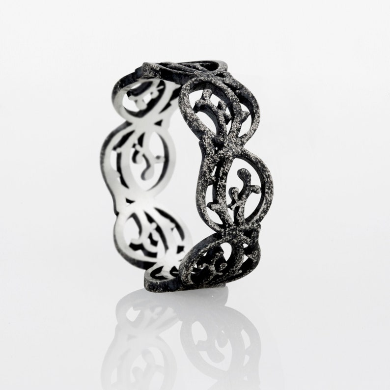 Textured vines lace wedding ring made of oxidized Sterling Silver with a nature inspired pattern