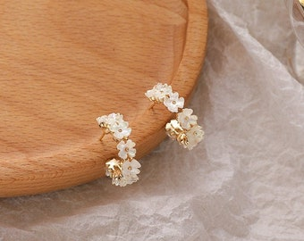 Flower earrings, Wreath earrings, pink flower earrings, botanical earrings, daisy earrings, sakura earrings, korean earrings, hoop earrings