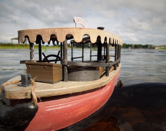 Customizable Jungle Cruise boat