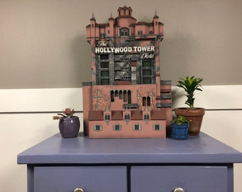 Hollywood Tower of Terror scale model