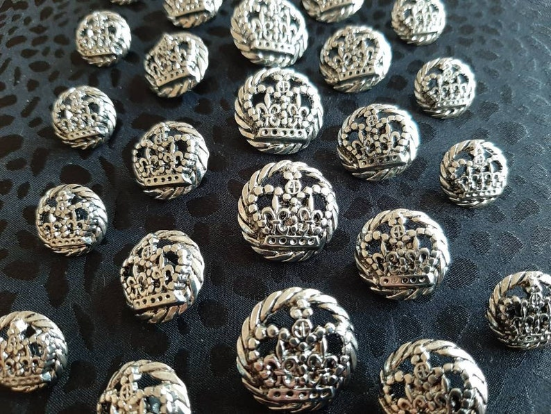 15mm 19mm /& 23mm Italian Suit Crown Buttons in Antique Silver