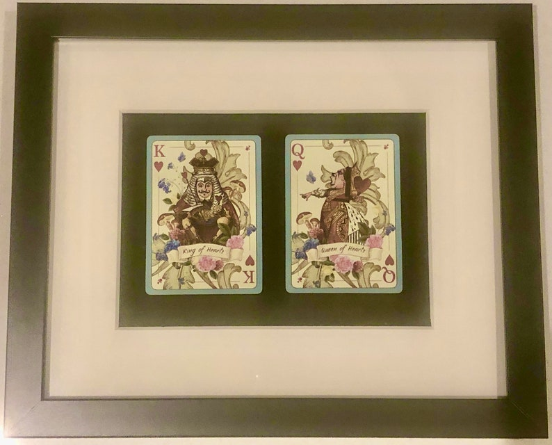 Framed 2 x Playing Cards Alice Wonderland King /& Queen Hearts Spades Clubs Diamonds Gift