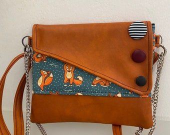 Punctuation. Chiocciolina shoulder bag. Clutch with chain. Handmade shoulder strap. Rust vegan clutch. Clutch foxes and buttons.