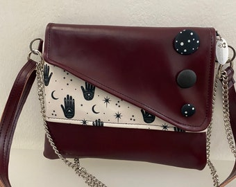 Punctuation. Chiocciolina shoulder bag. Clutch with chain. Handmade shoulder strap. Vegan clutch marc. Clutch hands and buttons.
