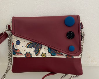 Punctuation. Chiocciolina shoulder bag. Clutch with chain. Handmade shoulder strap. Burgundy vegan clutch. Clutch butterflies and buttons.
