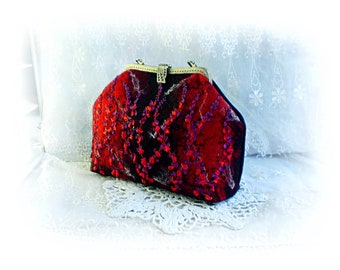 Red wool felt bag Kiss lock handbag Retro style bag Black frame bag Wool  felt flower bag Medium size bag Hand woven bag Colorful handbag f244320cc7