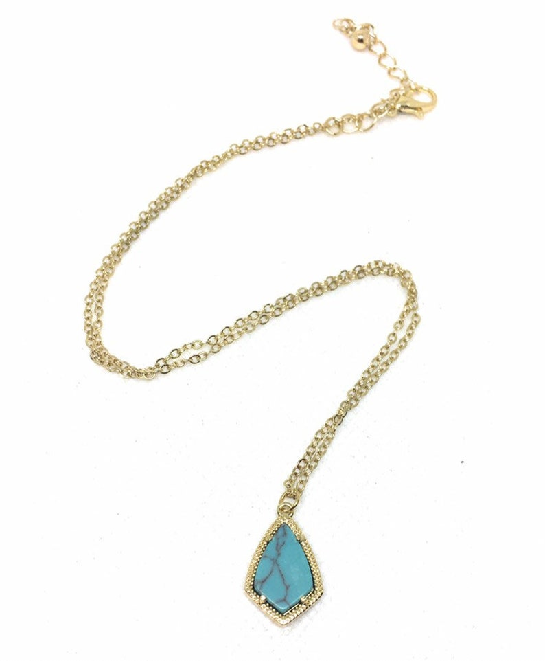 Necklace and Earrings in Gold Metal Tone NEW Turquoise Kite Set