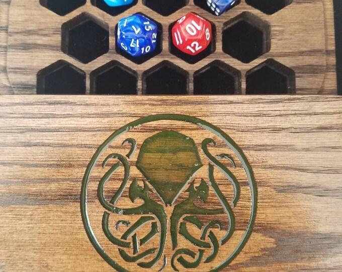Cthulhu dice box, oak, glow in the dark