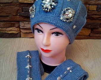 28d4ae276fb Hat and mittens