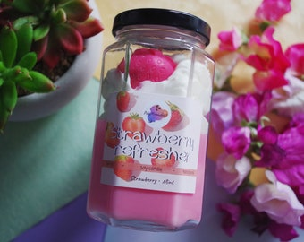 Latte candle | Strawberry refresher