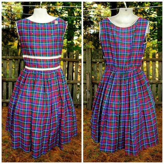 Vintage 1960s rayoncotton blend summer dress sleeveless spring dress periwinkle blue and white plaid shift dress Aline dress size large