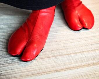 Ninja Soft Leather Tabi with REINFORCEMENTS // RED // Veg tan Goat Leather Tabi // Handmade // Suede Sole // Tatami / Bujinkan